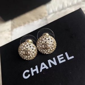 earrings with box
